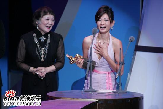 图文:金马颁奖典礼-MichelleKrusiec很开心
