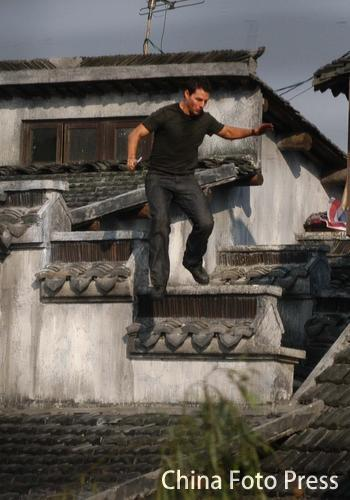 图文:《碟中谍3》浙江热拍-阿汤哥飞檐走壁
