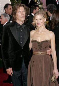 图文:凯拉-塞吉维克与丈夫凯文-巴肯甜蜜亮相