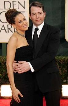 图文:莎拉-杰西卡-帕克与丈夫马修-布罗德里克