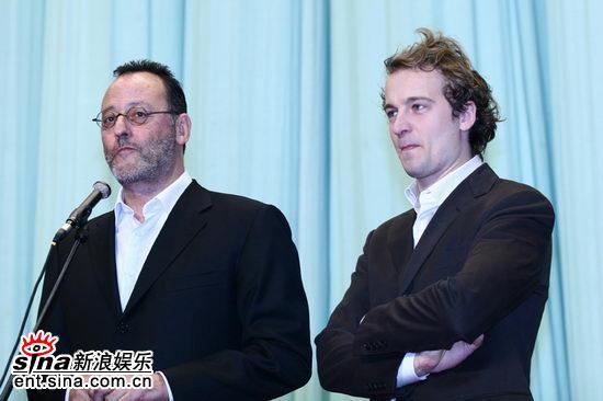 图文:开幕式酒会--让・雷诺和若斯兰・格凡