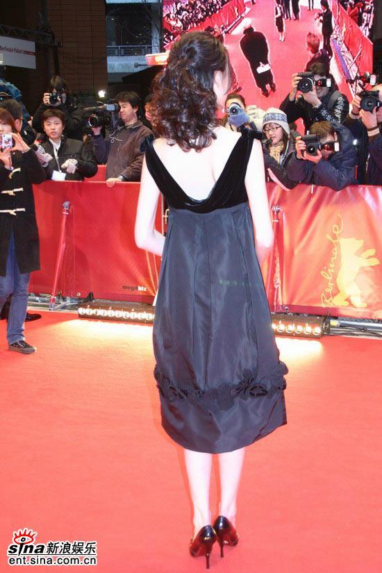 图文:《伊莎贝拉》柏林首映-摄影记者聚焦梁洛施