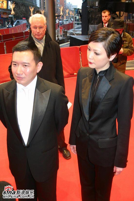 图文:《伊莎贝拉》柏林首映-田蕊妮中性打扮抢镜