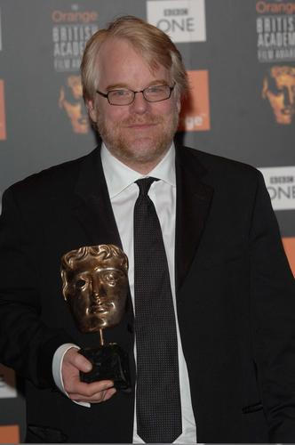 图文:英国奥斯卡颁奖--最佳男主角菲利普-霍夫曼
