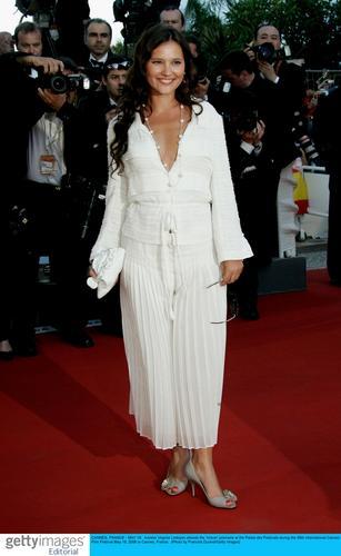 图文:《回归》戛纳首映礼--女星维吉妮亚