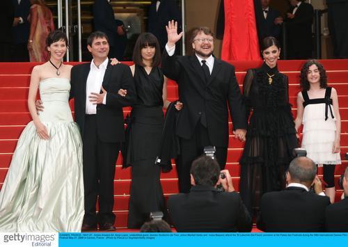 图文:《潘恩的迷宫》首映-主创合影