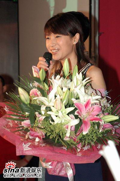 图文:徐静蕾新片北京首映--徐静蕾答记者问