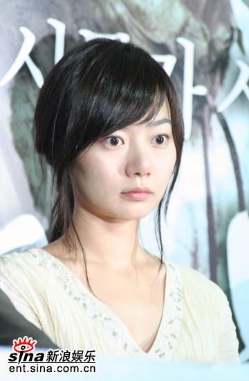图文:韩国恐怖片《�r》举行首映会--裴斗娜