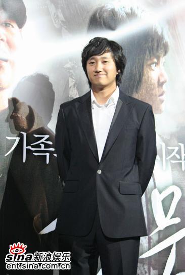 图文:韩国恐怖片《�r》举行首映会--亮相首映