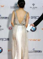 组图:第43届大钟奖性感女星美胸美背大比拼