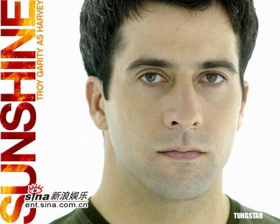 图文:《拯救阳光》角色海报--男演员