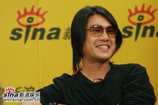 图文:《东京审判》主创聊天--朱孝天笑容灿烂