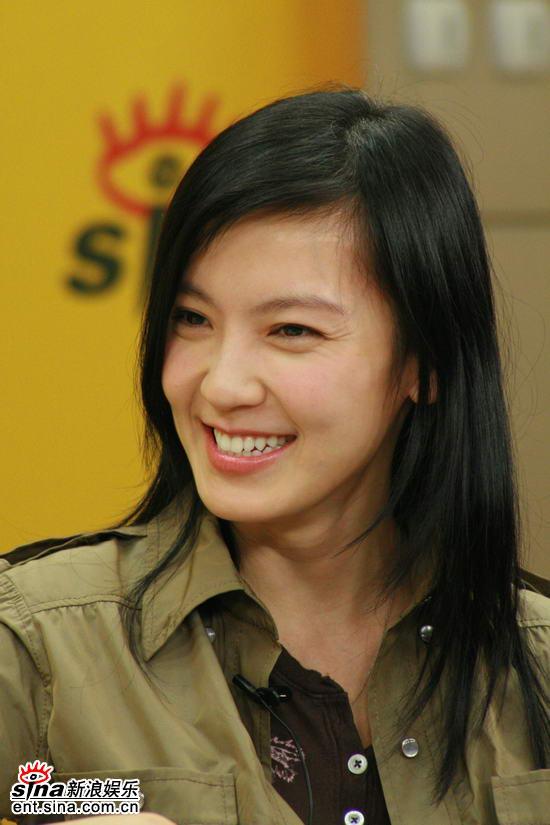图文:《东京审判》主创聊天--林熙蕾低头微笑