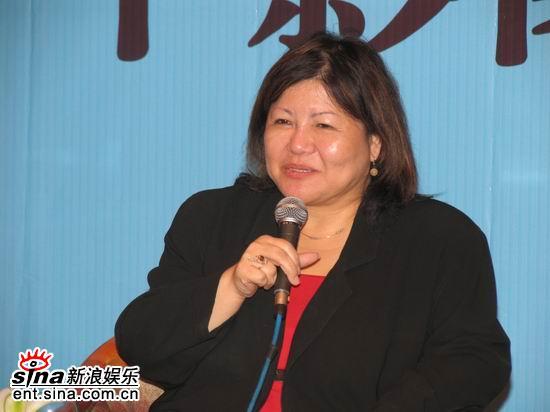 图文:首届华语青年影像论坛举行--焦雄屏