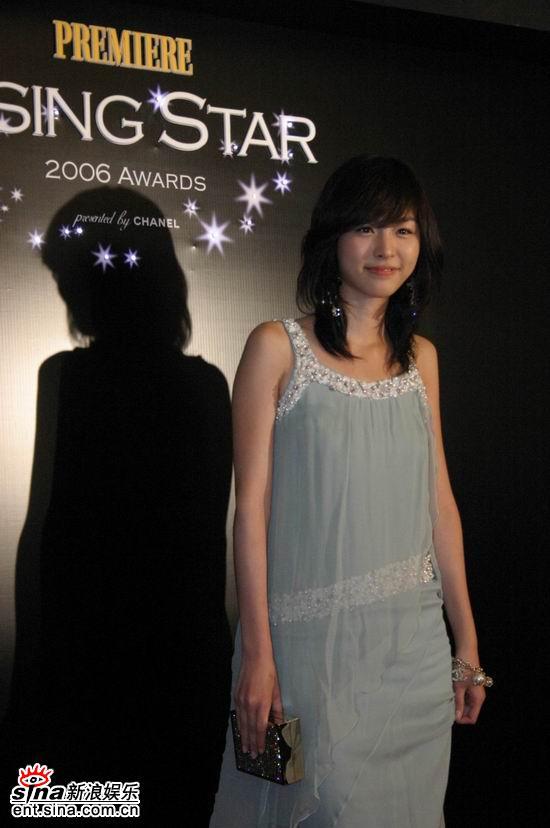 图文:釜山法国之夜--李妍熙可爱表情