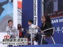 组图:文素利对话新浪娱乐态度亲和期待中国行