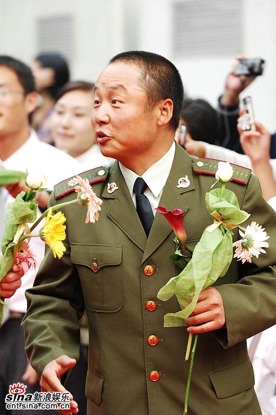 图文:电影《张思德》男主角吴军穿军装亮相