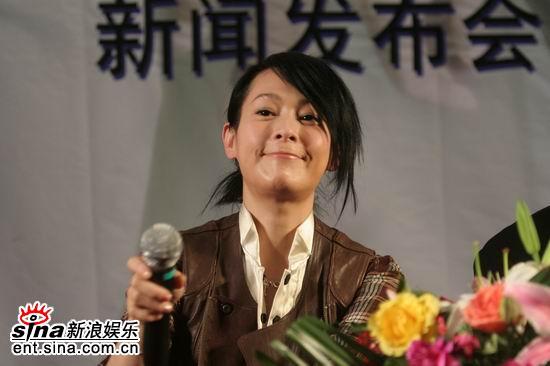 图文:《生日快乐》发布会--知性美女刘若英