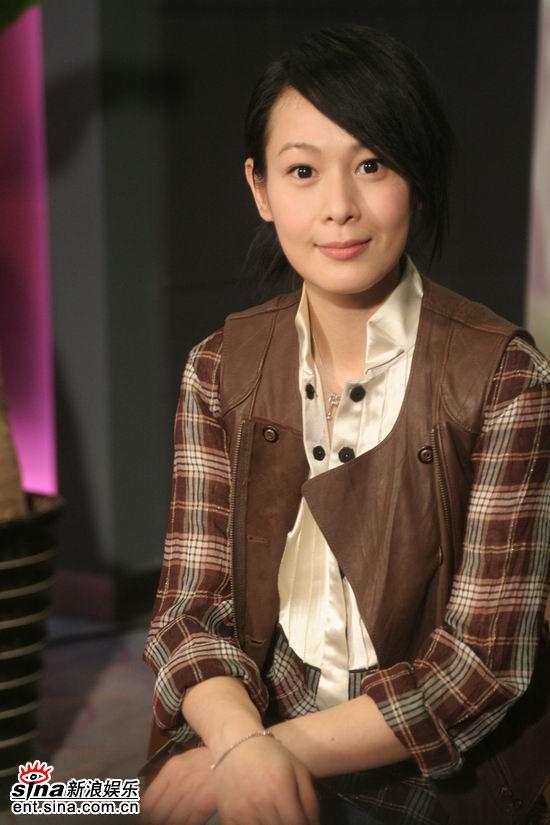 图文:《生日快乐》主创聊天--刘若英气质优雅