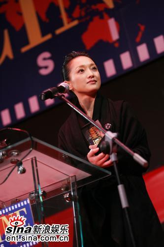 图文:亚洲电影博览会闭幕--周迅获最佳女演员