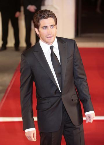 图文:英国BAFTA颁奖--杰克・吉伦希尔