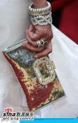组图:众女星亮相红地毯名牌时尚手袋大比拼