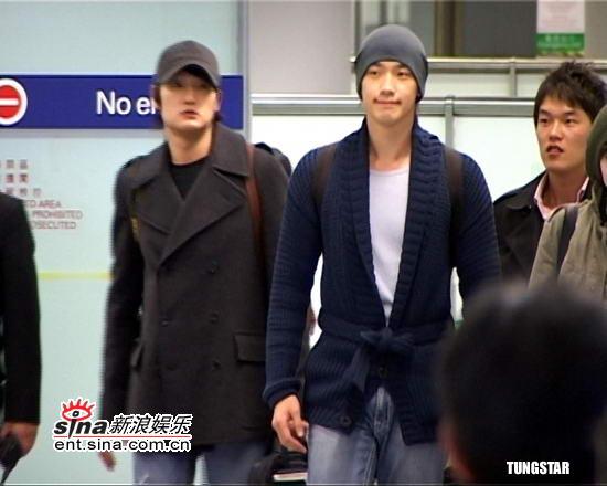 组图:Rain林秀晶抵达香港宣传《再造人之恋》