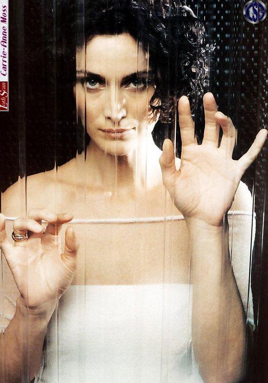 图文:暑期美女凯莉-安妮-莫斯《僵尸管家》