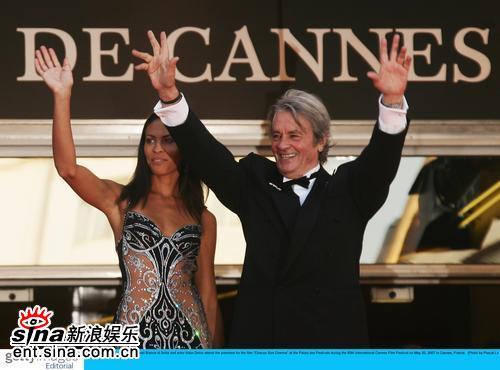 图文:戛纳贺寿短片首映礼--法国老牌巨星阿兰-德龙