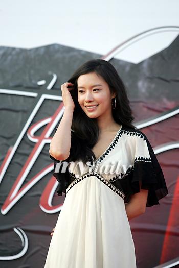 组图:金雅中凭《美女》获大钟最佳女主角提名