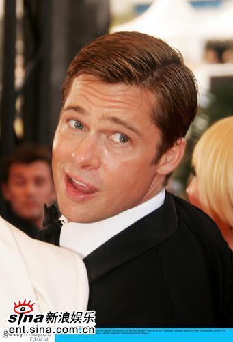 图文:《十三罗汉》首映--布拉德-皮特表情可爱