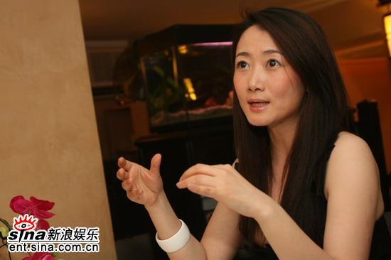 图文:《三峡好人》庆功--赵涛侃侃而谈