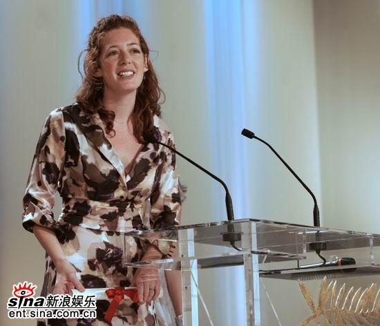 图文:西班牙导演伊莉莎-米勒获颁最佳短片奖