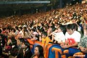 组图:谢霆锋马来西亚献唱展现浓郁个人风格