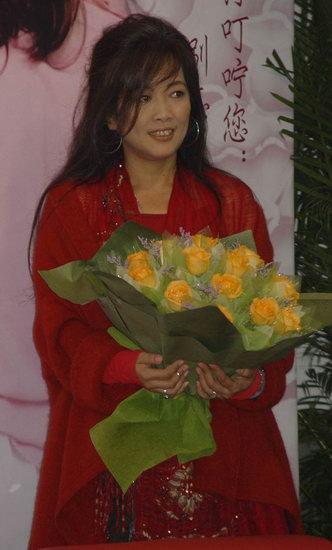齐豫上海演唱会浓情依依个唱讲述26年的亲情