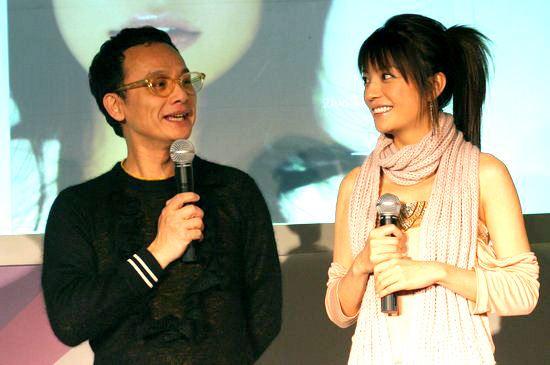 赵薇2004全新大碟《飘》新闻发布会实录(组图)