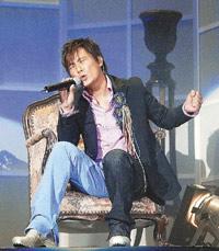 张信哲台湾办演唱会把自家客厅搬上舞台(附图)