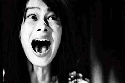 信息时报:《见鬼10》恐怖不如搞笑(附图)