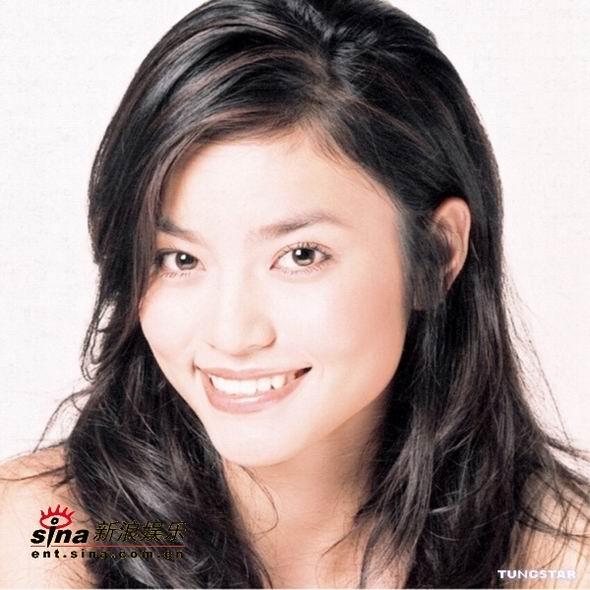 图文:2004亚姐候选佳丽--16号王慧