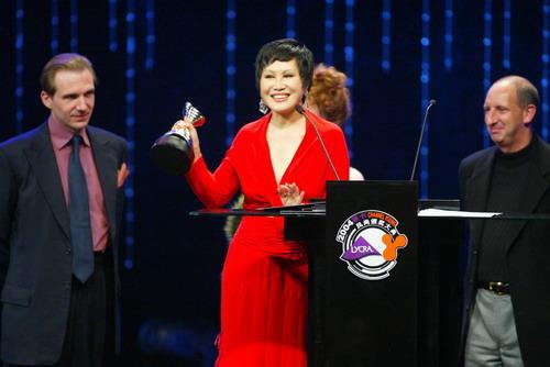 图文:2004莱卡风尚颁奖大典现场-靳羽西