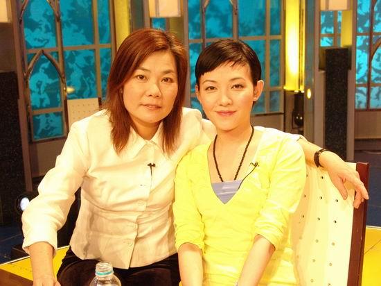 组图:十大快乐明星家庭评选--范晓萱母女