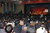 组图:周星驰北京引发混乱陆川机场护送星爷