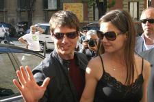 组图:汤姆-克鲁斯与新女友亲密有加现身罗马