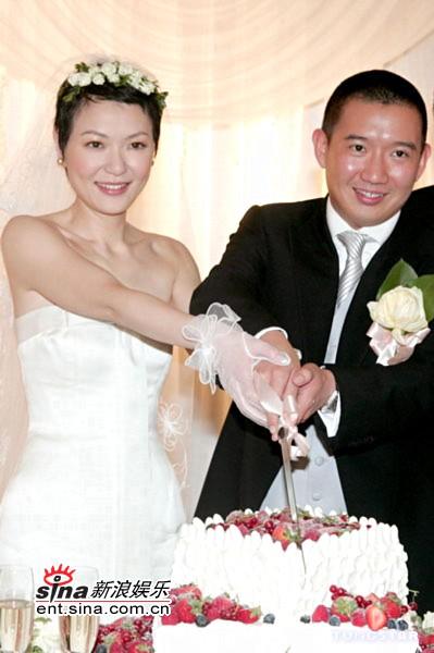 图文:杜汶泽与田蕊妮大婚幸福甜蜜羡煞旁人(2)