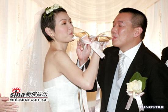 图文:杜汶泽与田蕊妮大婚幸福甜蜜羡煞旁人(4)
