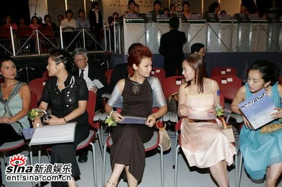 图文:亚洲先生评选开始评委嘉宾纷纷入座(4)
