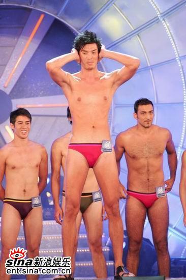 图文:亚洲先生泳装出场展示结实肌肉现场轰动(8)