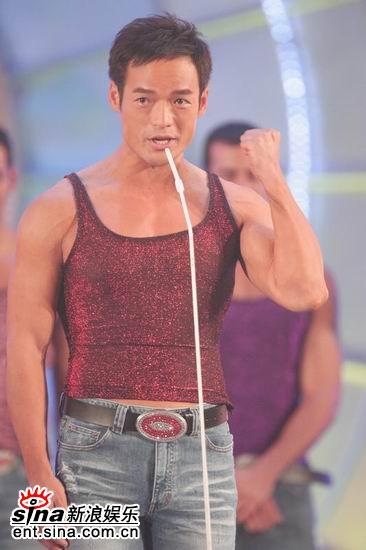 图文:亚洲先生登场许如芸演唱深情款款(9)