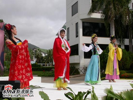 图文:准星姐赴泰国拍摄外景四大美人古装展示