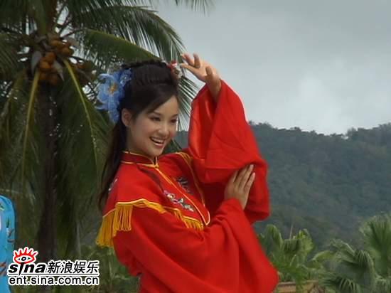 图文:星姐冯娟泰国性感可爱拍外景--才艺展示